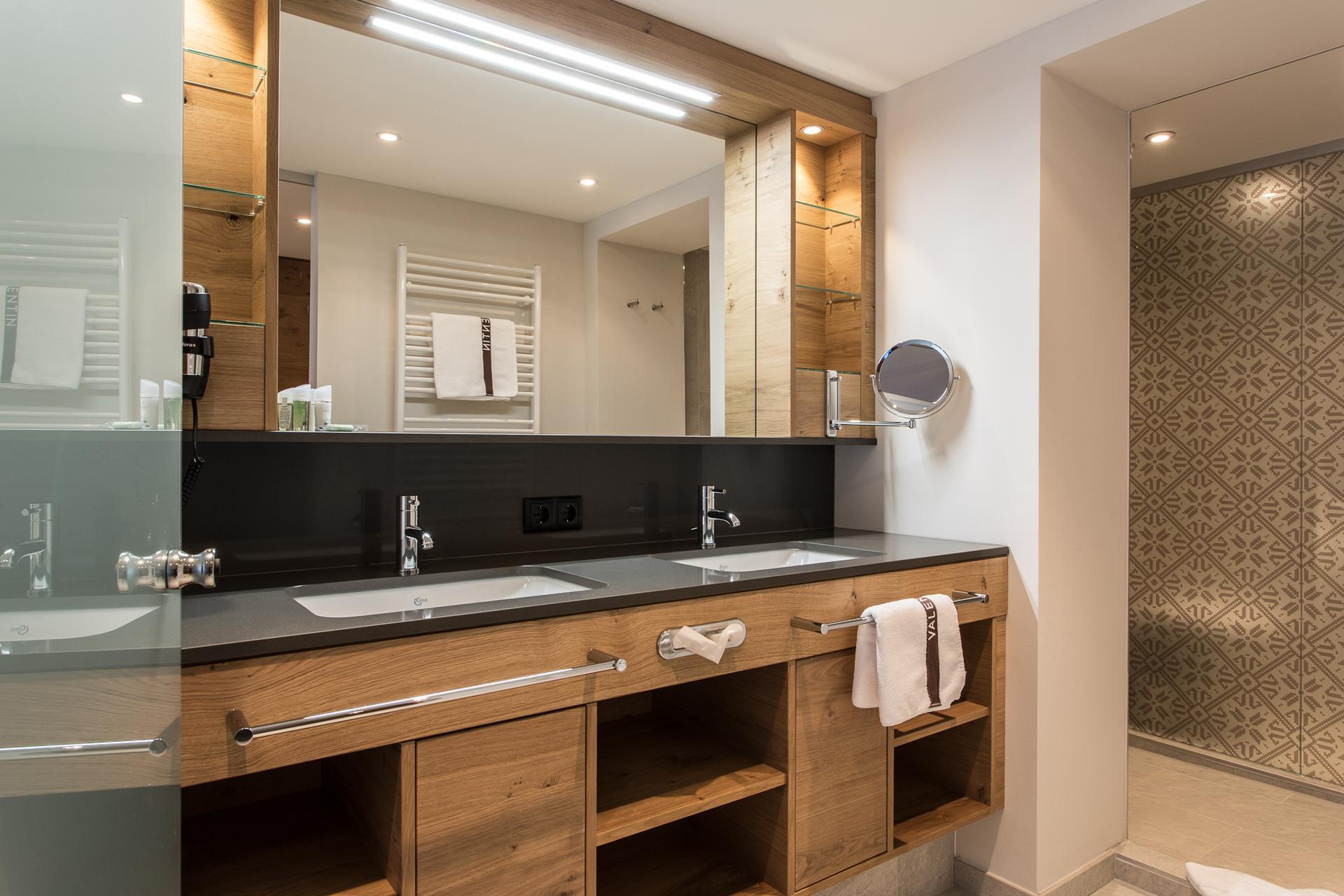 designausstattung 4 sterne hotel valentin in s lden. Black Bedroom Furniture Sets. Home Design Ideas