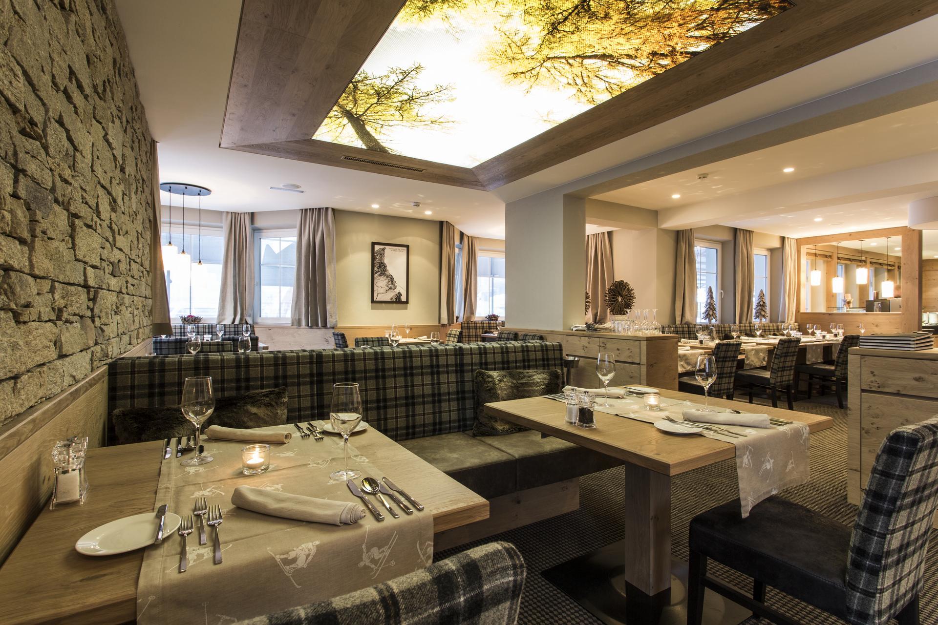 designer décor- four star hotel valentin in sölden